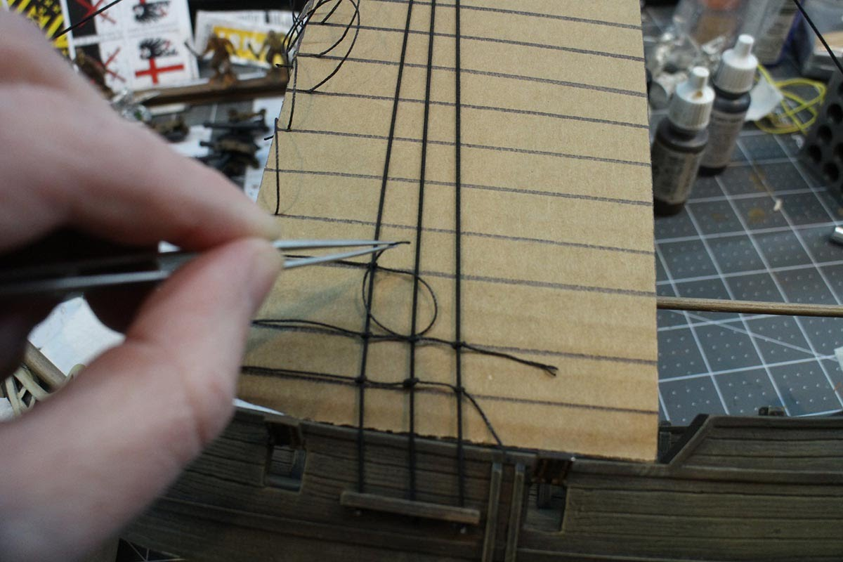 1000 Foot General: Rigging a 28mm Sloop for Blood and Plunder
