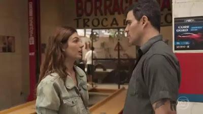 Betina e Magno em cena da novela Amor de Mãe (Foto: Reprodução)