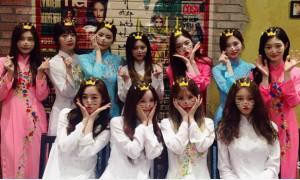 Sao Hàn 10/1: T-ara diện áo dài trắng xinh đẹp, Jessica - Krystal năng động