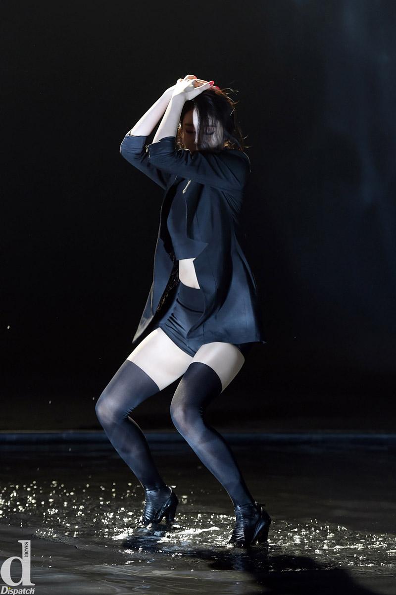 超模二代Kaia Gerber演绎满屏都是大长腿