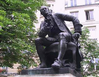 Statue de Denis Diderot par Gautherin, proche de son lieu de résidence