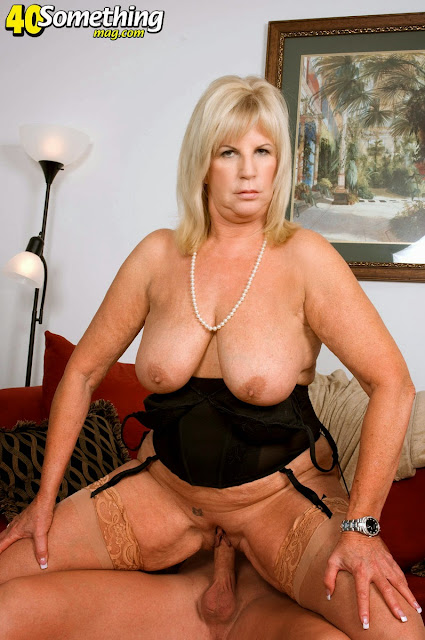 Anneke Sex Mature 35