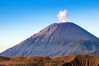 Legenda Gunung Semeru Jawa Timur