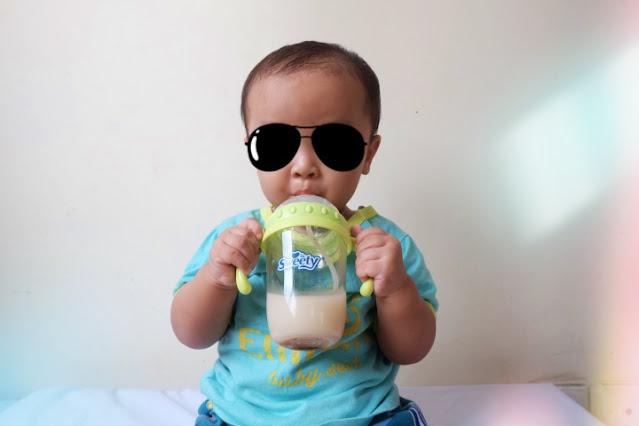 cara menghilangkan bau botol susu bayi