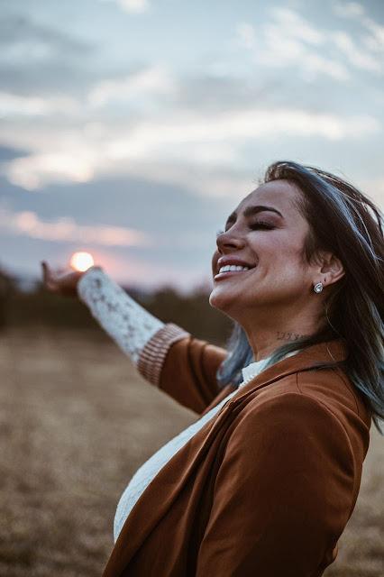 Daniela Araújo recebe indicação dobradinha ao Grammy Latino