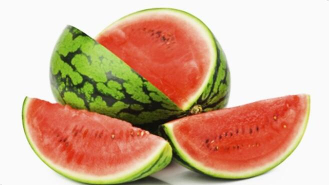 Daftar manfaat buah semangka merah