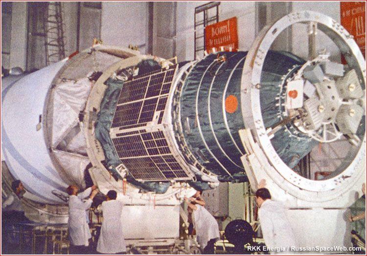 Zond-5 spacecraft