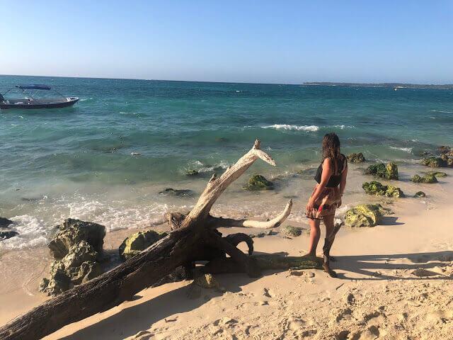 playa blanca en isla baru