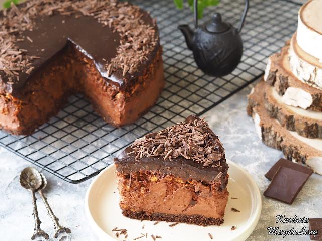 Sernik na zimno czekoladowo-śliwkowy