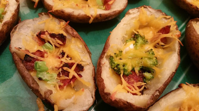 Cheese, broccoli and bacon stuffed potato skins