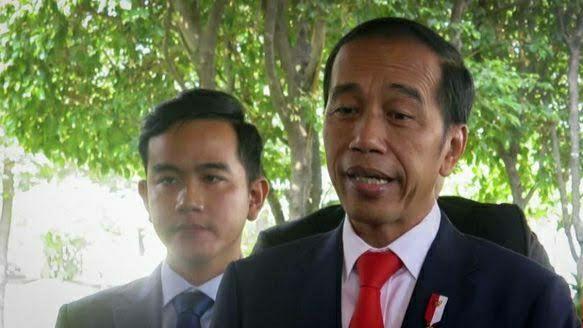 Kata Jokowi: Jangan Sampai Ada Potongan Bansos seperti Kejadian di Jabodetabek