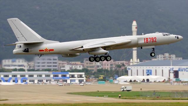 China realiza maniobras con aviones de combate cerca de Taiwán