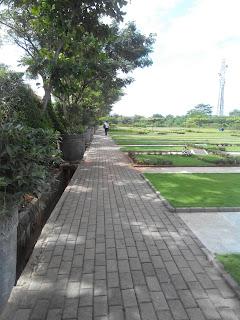 Jalan setapak yang memungkinkan untuk jalan dengan nyaman