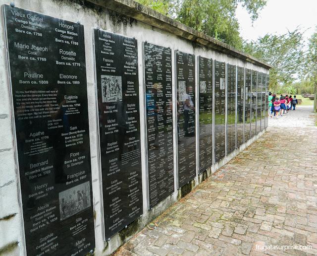 Memorial às pessoas escravizadas na Whitney Plantation