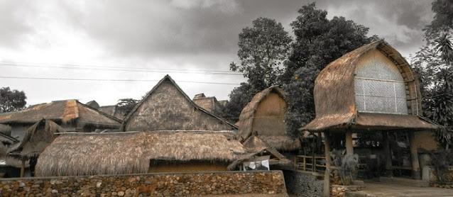 Rumah Adat Suku Sasak