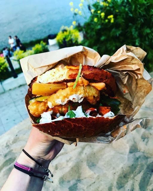 Gdzie zjeść w Warszawie najlepsze kanapki? Co zjeść na Nocnym Markecie? Najlepsze kanapki w Warszawie - gdzie jeść?