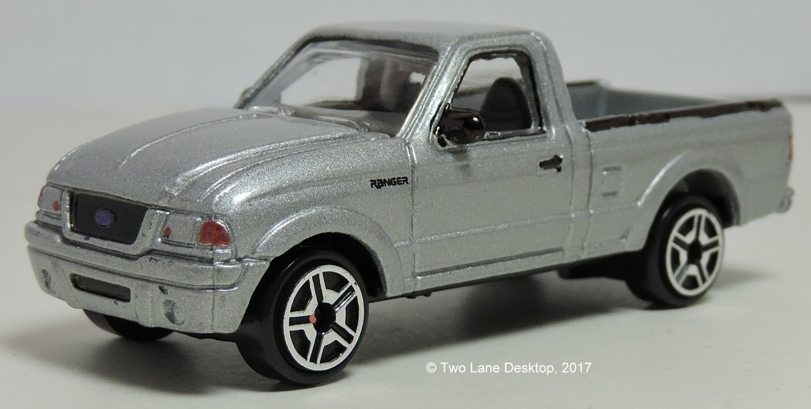 Two Lane Desktop: Motormax 1:43 And 1:64 2001 Ford Ranger