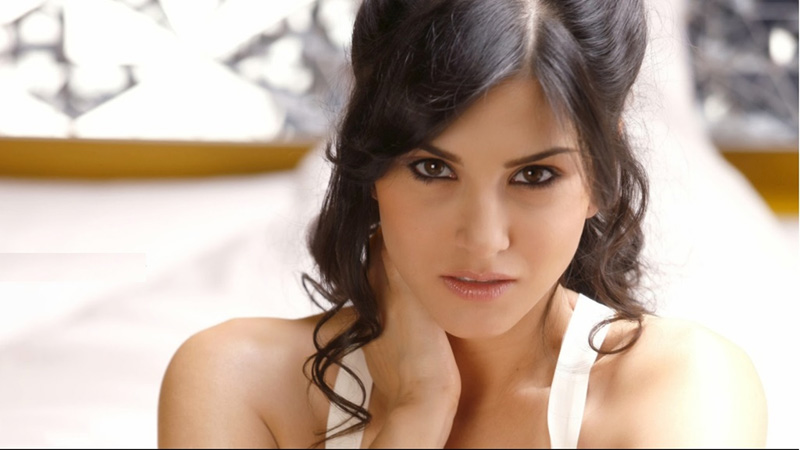 Sunny Leone First Time Sex