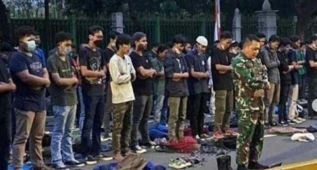 Cerita Pangdam Jaya, Diminta Massa Aksi Pimpin Shalat Maghrib Berjamaah