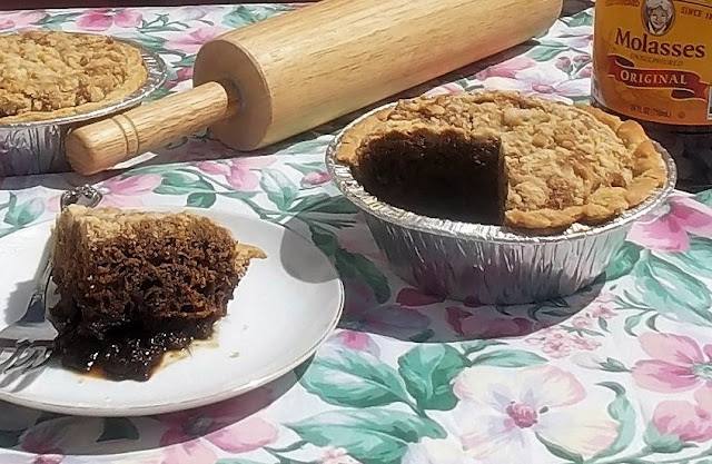 Shoofly pie baked and sliced