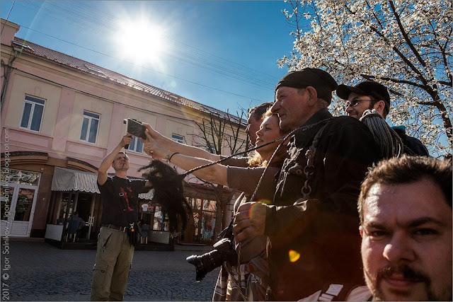 Мукачево памятник трубочист Закарпатье