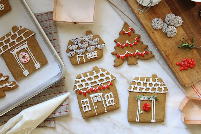 Jenny steffens hobick gingerbread house cookies for Cookie cutter house plans