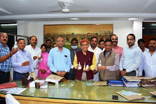 जौनपुर : कोरोना को लेकर पीयू में हुई आपात बैठक, 2 अप्रैल तक वर्क टू होम