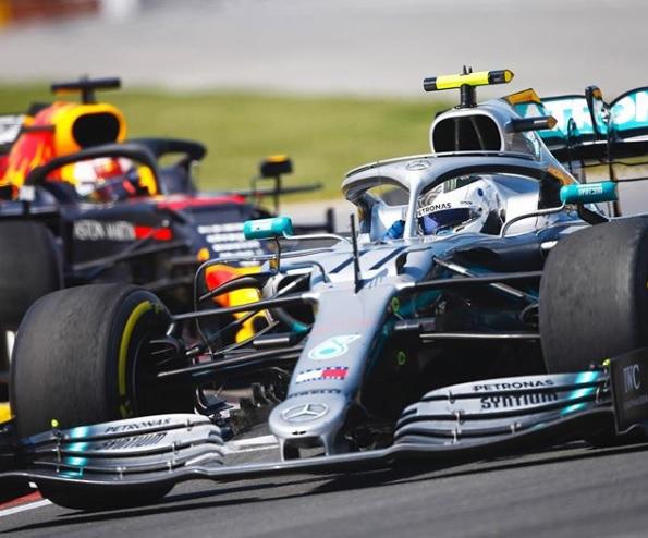 Lewis Hamilton  samakan kedudukan Michael Schrumacer