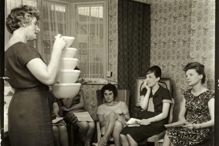 A Vintage Nerd, Vintage Blog, 1960s Tupperware parties, Vintage Tupperware, Retro Tupperware parties, History of Tupperware, 1960s History