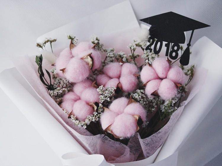 Pilih Buket Bunga Segar Untuk Wisuda Teman Anda Rangkaian Bunga Bogor