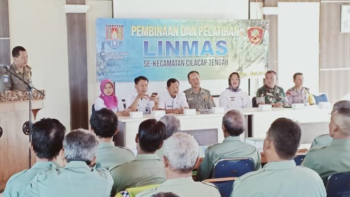 Danramil 01/Cilacap Hadiri Acara Pembinaan dan Pelatihan Linmas se Kecamatan Cilacap Tengah