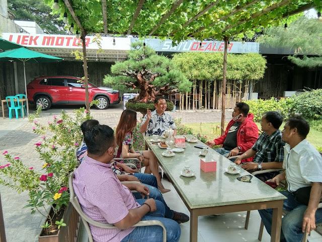 Tim kemenangan Eri Cahyadi mengunjungi Royce Muljanto