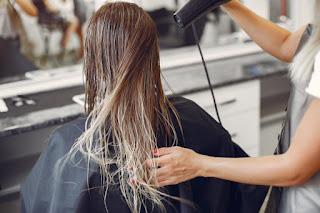 ketahui cara dan bahan alami apa saja untuk mengatasi rambut bercabang
