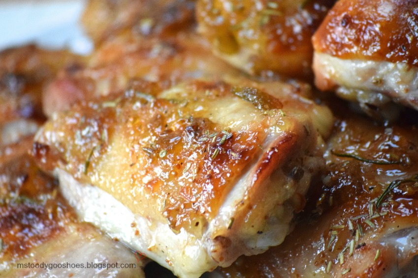 Rosemary & Fig Chicken: Lots of flavor in this super-easy recipe! | Ms. Toody Goo Shoes