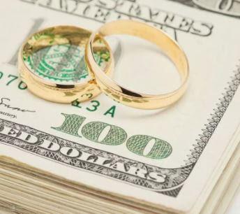قروض الزفاف: لماذا يتجه المزيد من الأزواج إلى التمويل الشخصي ليومهم الكبير