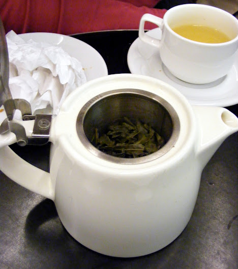 Drinking green tea and coffee daily linked to lower death risk in people with diabetes