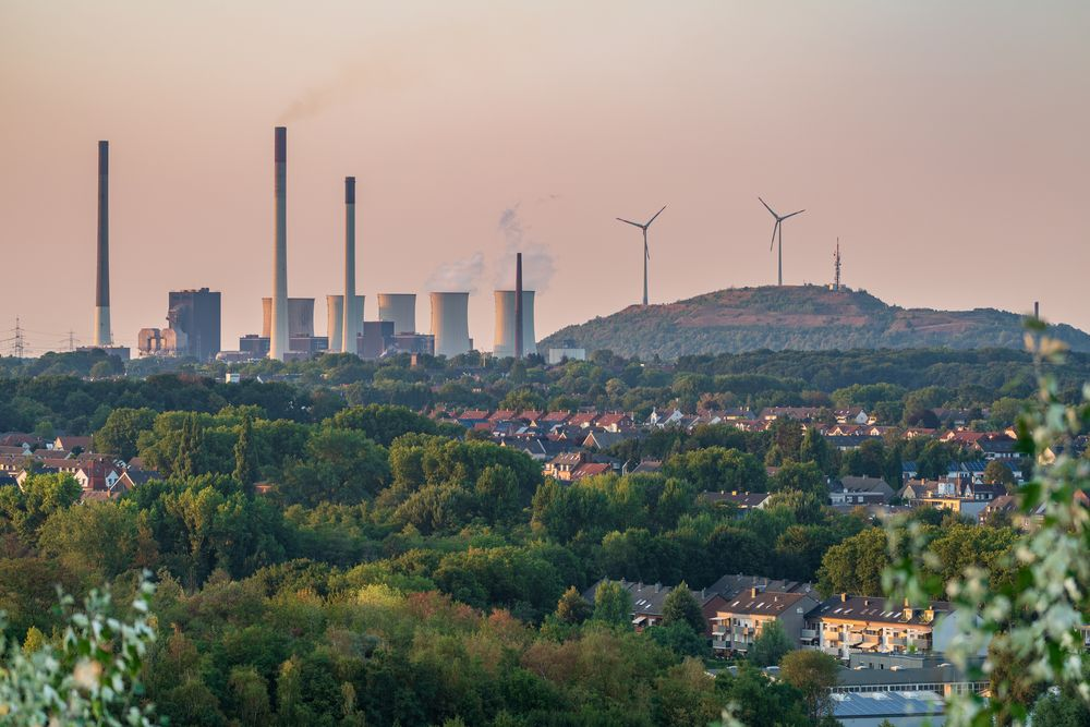 View over the Ruhr Area from the Mottbruchhalde, in Gladbeck.