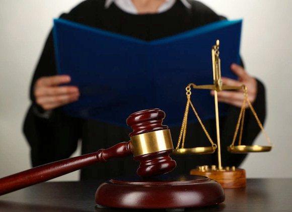 الفرق بين الحكم القضائي والقرار القضائي