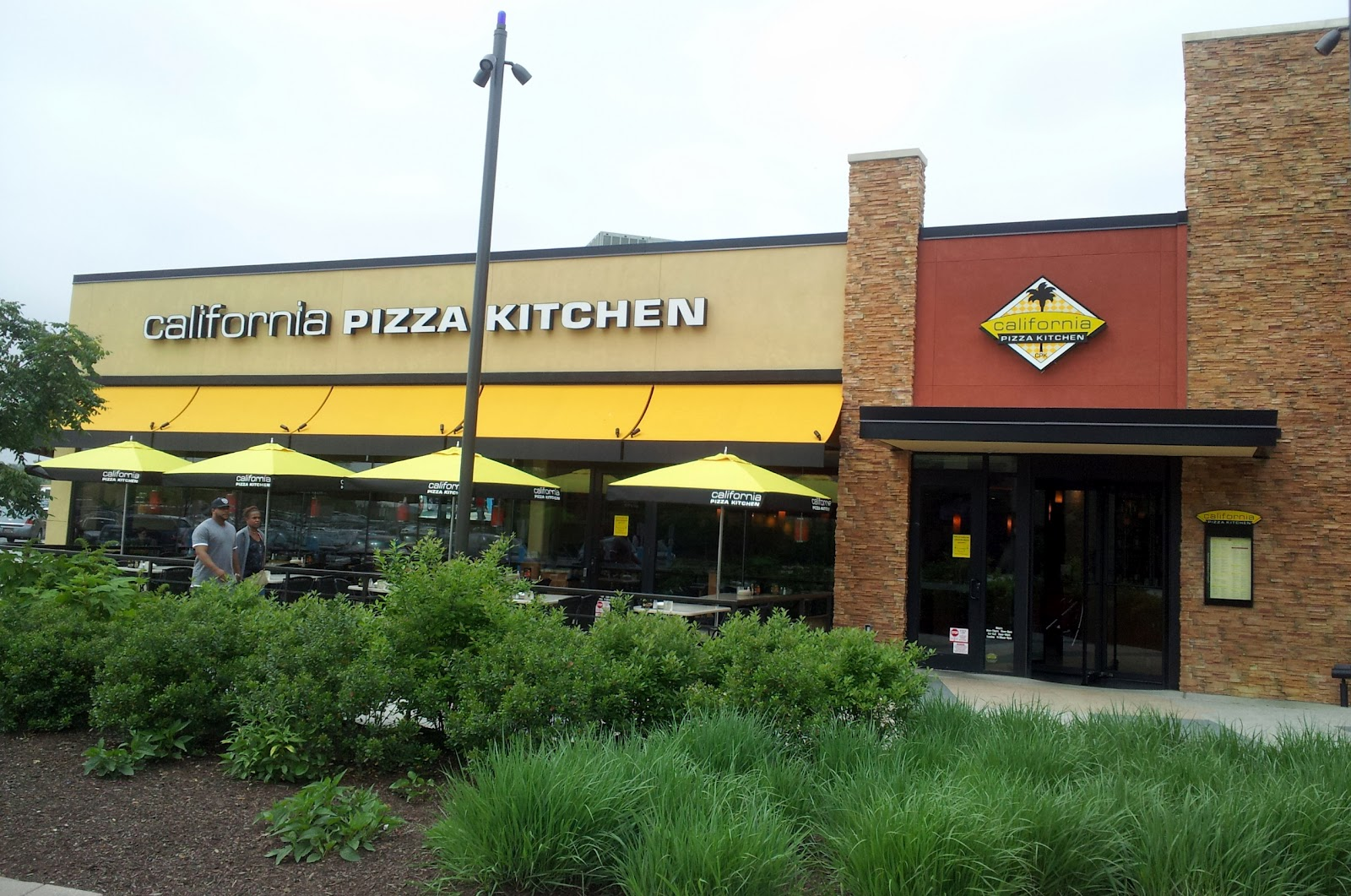 Strange Pizza Quixote Review California Pizza Kitchen Interior Design Ideas Gentotryabchikinfo