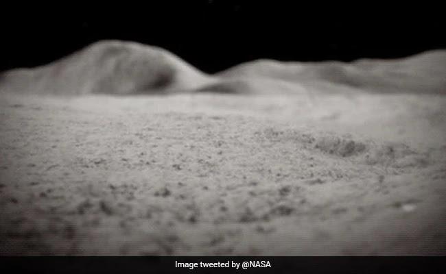 NASA ने चाँद की सतह पर खोजा पानी ,पीने व रॉकेट ईंधन में हो सकता है इस्तेमाल