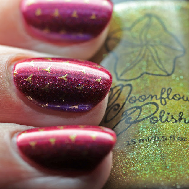 Moonflower Polish La Belle stamped over Great Lakes Lacquer We're All Mad Here using Über Chic 22-03 plate