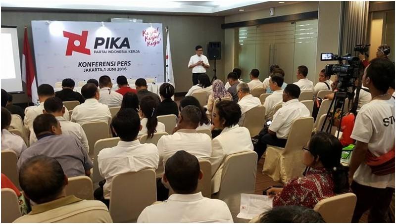 Deklarasi pendirian Partai Indonesia Kerja (PIKA)