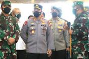 Panglima TNI Bersama Kapolri Tinjau Langsung Serbuan Vaksin di Kalbar