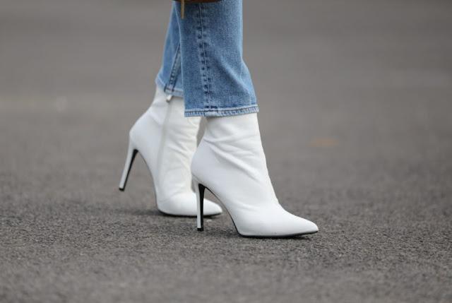 como vestir botas blancas, botas blancas con estilo, tendencia botas blancas, como combinar botas blancas, look con botas blancas, estilo, asesora de imagen, fashion, moda