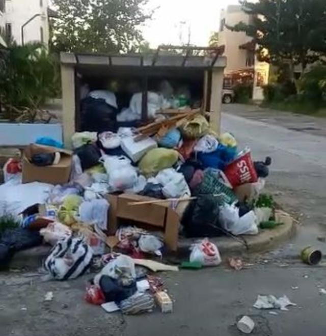 Denuncian cúmulo de basura en un residencial de Pantoja en Los Alcarrizos