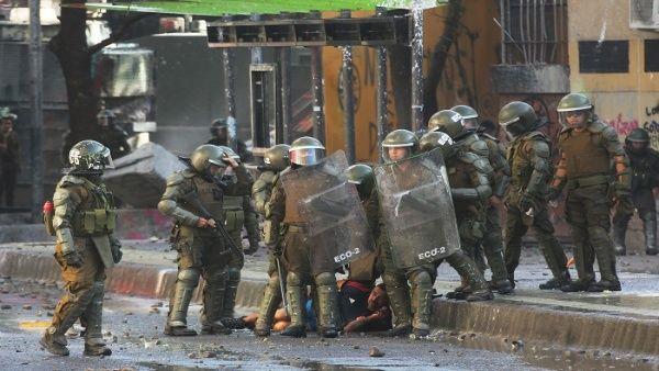 Nuevas denuncias contra Carabineros por cometer abusos en Chile