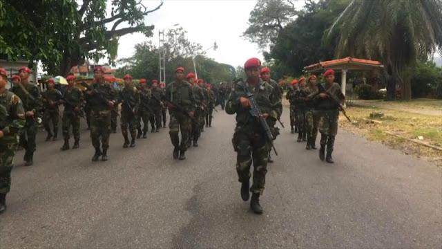 Venezuela prepara despliegue militar en la frontera con Colombia
