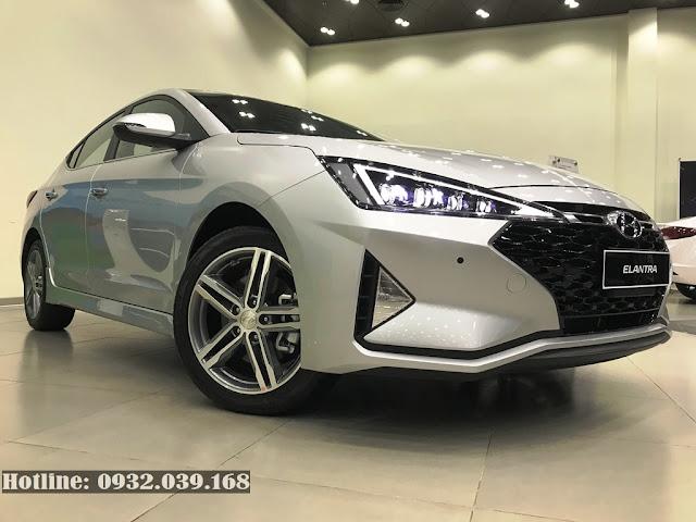 Xe Hyundai Elantra 2020 màu Bạc