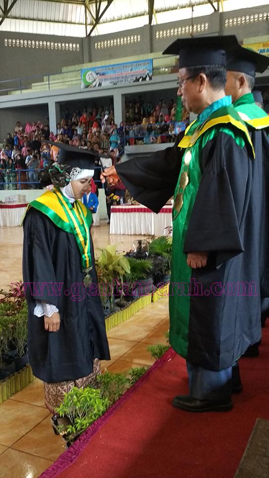220 Mahasiswa STAI Ibnu Rusyd Kotabumi Diwisuda