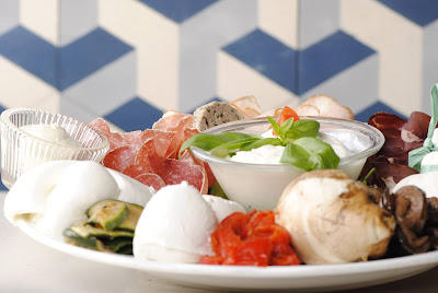 mozzato restaurant comptoir mozzarella paris favoris du moment lucile in wonderland lucileinwonderland